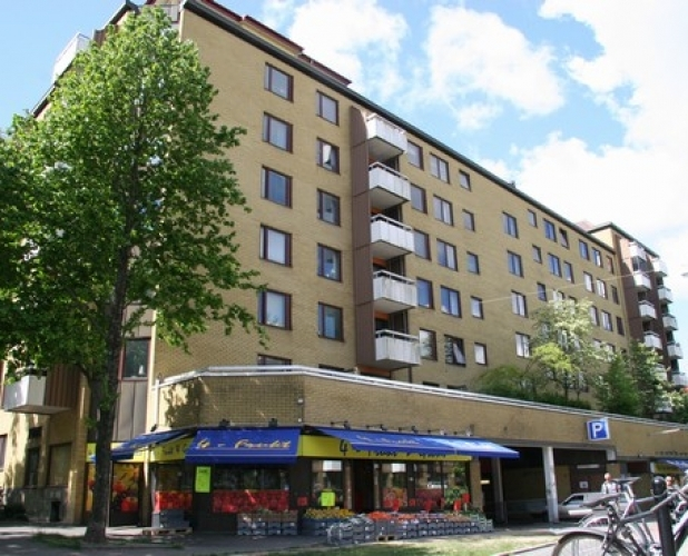 Brunnsgatan 1, Övre Husargatan 6-12, Västergatan 11-15