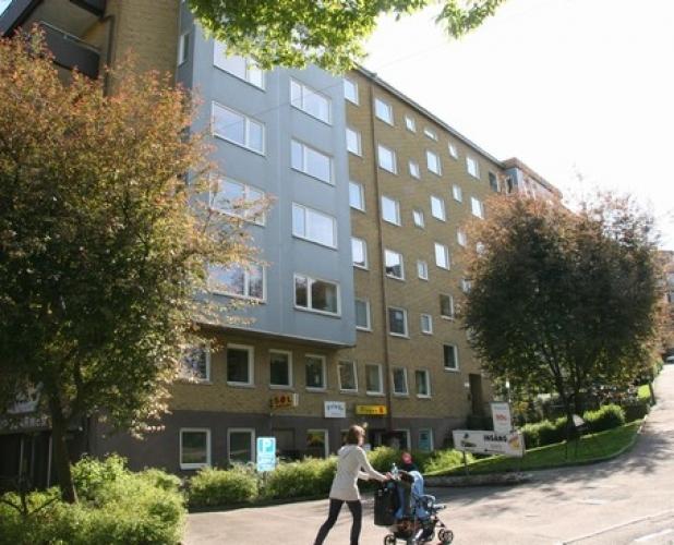 Sankt Pauligatan 1, Mäster Johansgatan 8, 12